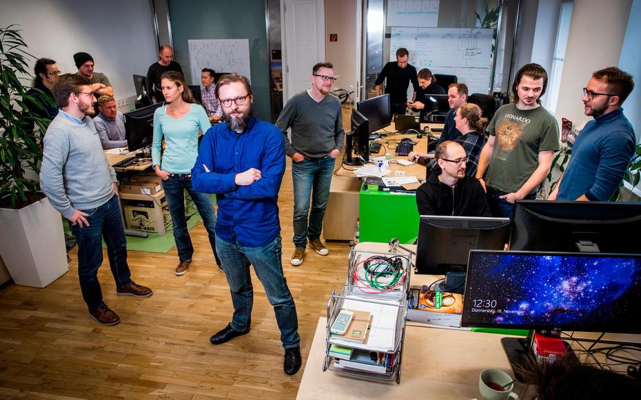 Wikifolio-Chef Andreas Kern im Kreise seiner Mitarbeiter. | Foto: Lukas Ilgner | http://www.lukasilgner.at/